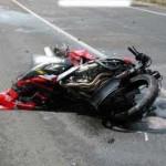Scivola con la moto, risarcito dal Comune di Portogruaro. Caduta provocata dal ghiaino, avrà 170 mila euro.